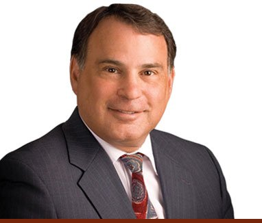 headshot of our newest lawyer and nh business law attorney tom colantuono.